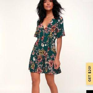 Lulus green floral boho dress XS Best seller!